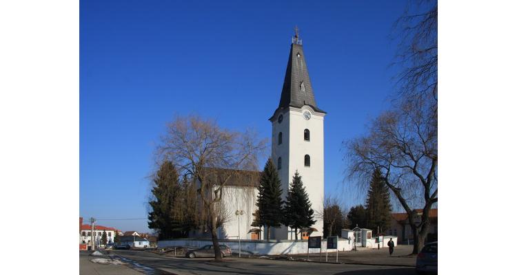 farsky-kostol-01